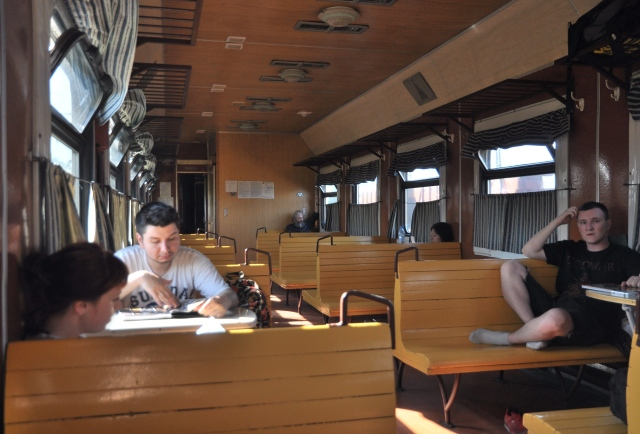 Moldawisches Ambiente im Zug, wenn man schon nicht hinaus schauen soll
