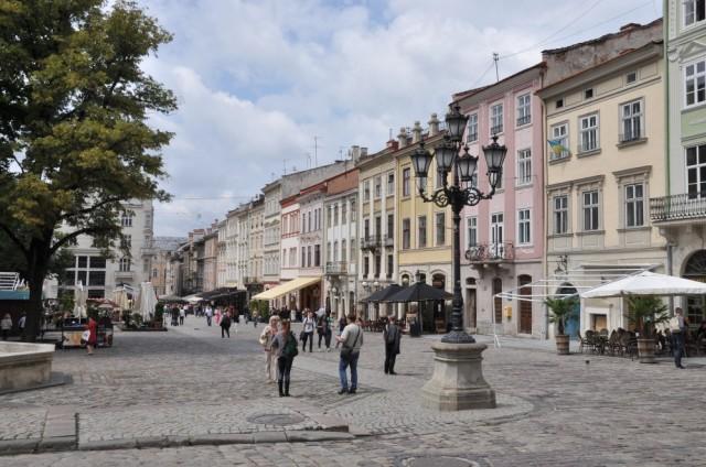 Der Ring, Rynok, in Lviv