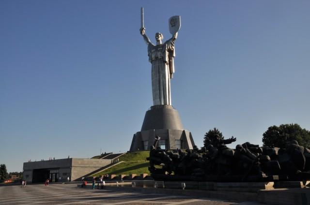 Die 102 m hohe Mutter-Heimat-Statue erinnert an den Sieg der sowjetischen Streitkräfte des