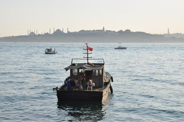 Orientalischer könnte der Abend am Bosporus nicht sein