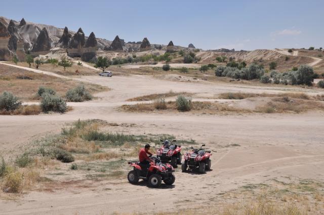 Erkundung mit einem 4-wheel-ATV: aber immerhin sind wir zu zweit gefahren