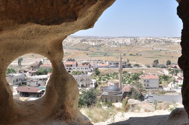 Blick aus einer ehemaligen Höhlenwohnung bei Göreme