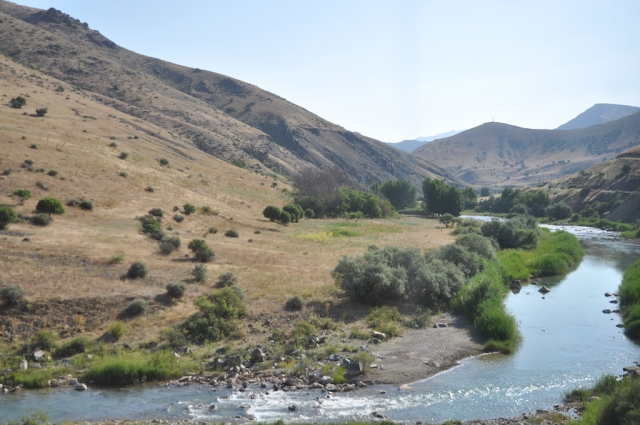Fahrt entlang des Kızılırmak Nehri in Richtung Kars