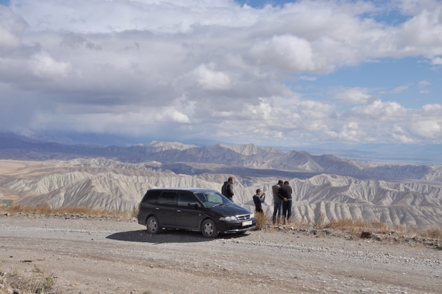 Wer Kirgistan bezwingen will, muss sich auf unwegsame Geländetouren einlassen