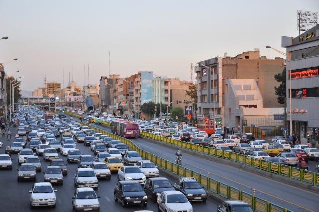 Rushhour in Tehran, in der nur noch das Motortaxi weiterhilft.