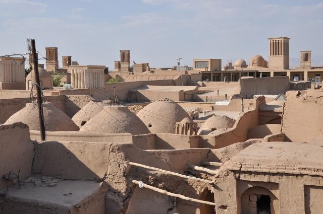 Blick über die Lehmdächer der orientalischen Altstadt