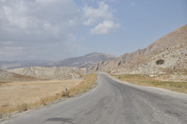 Straße zur turkmenischen Grenze