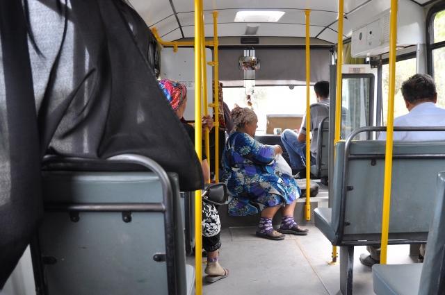 Fanplatz neben dem Fahrer: von der turkmenischen grenze nach Urgench