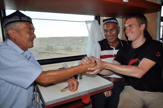 Bekanntschaft mit Usbeken im Zug