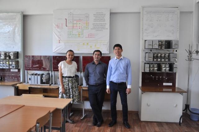 Laborbesichtigung mit wissenschaftlichen Mitarbeitern in Almaty